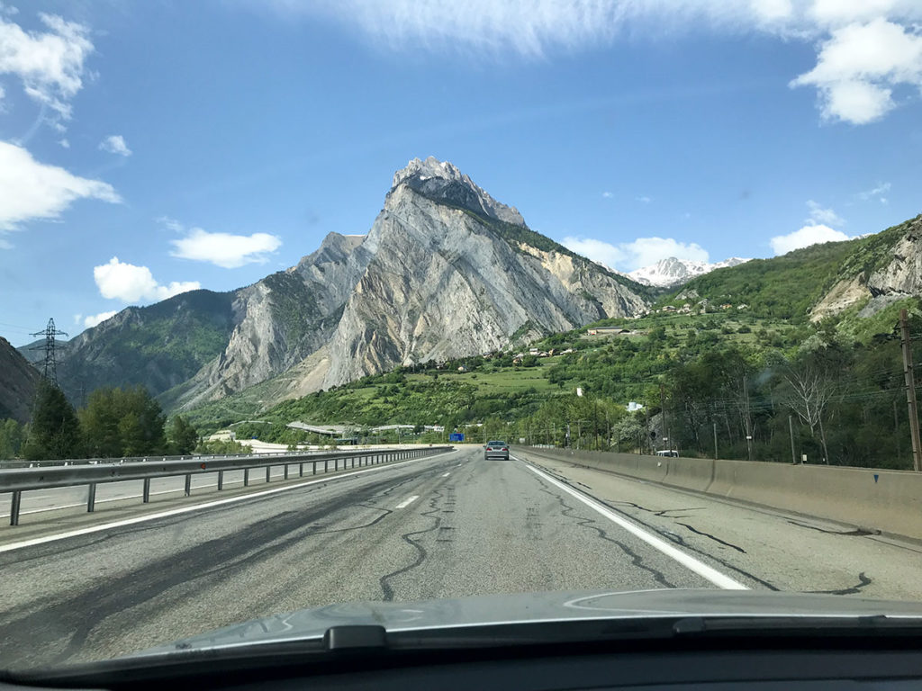 Driving through France - Paulina from Poland blog